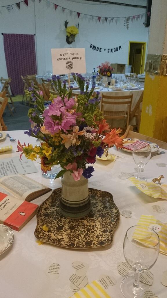 vintage wedding table, wedding decor ideas,