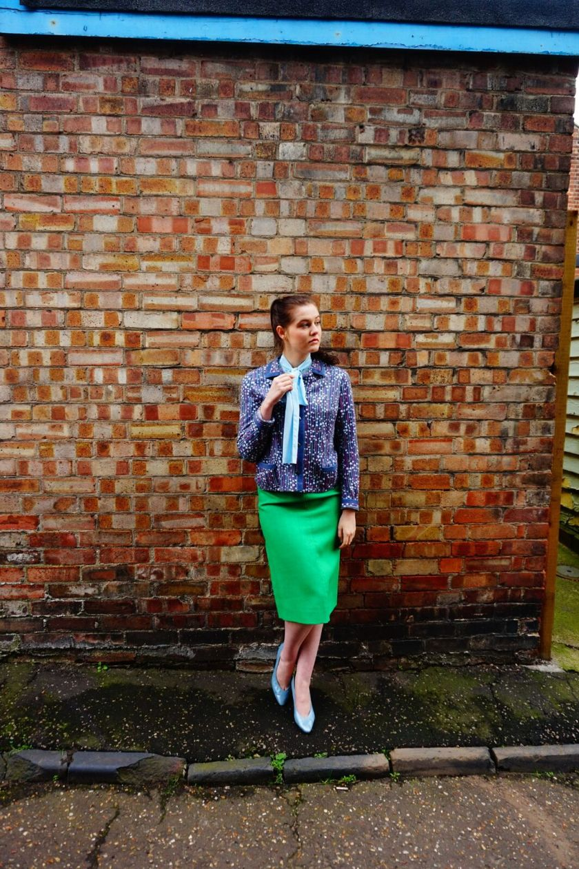 vintage trail fashion shoot girl in green vintage skirt