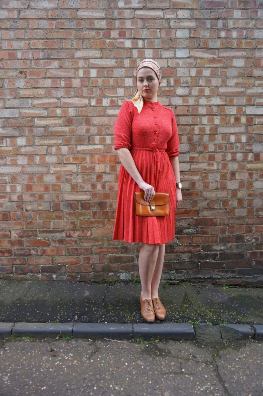 girl in vintage red 70s dress for street style fashion