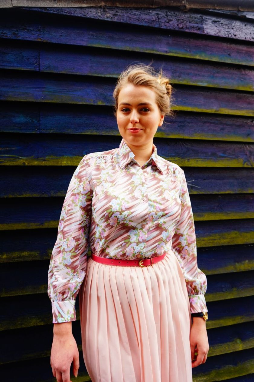 vintage girl in Pink